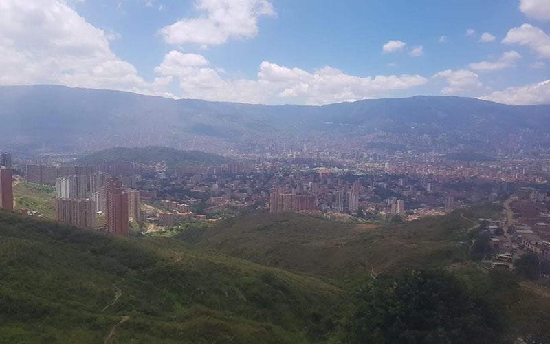 Medellin vs Bogota